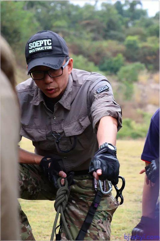 HKRU绳索技术培训教练现场教学