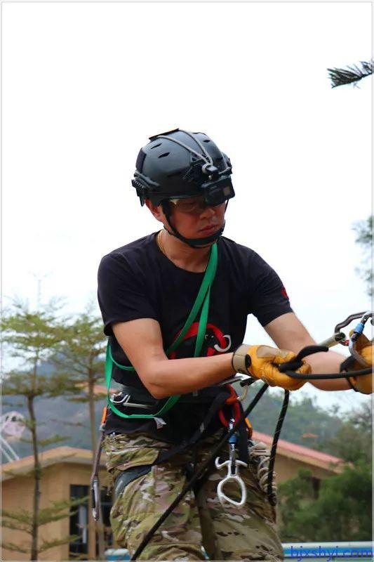 HKRU绳索技术培训学员