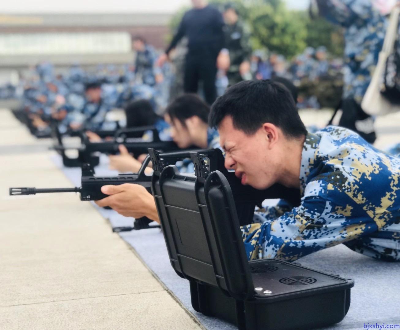 北京大学军训射击打靶1